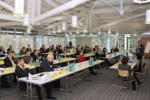 Vorträge von Firmenvertretern, eine unerschöpfliche Informationsquelle für Fachjournalisten. Foto: Redaktionsbüro Studensee - rbs